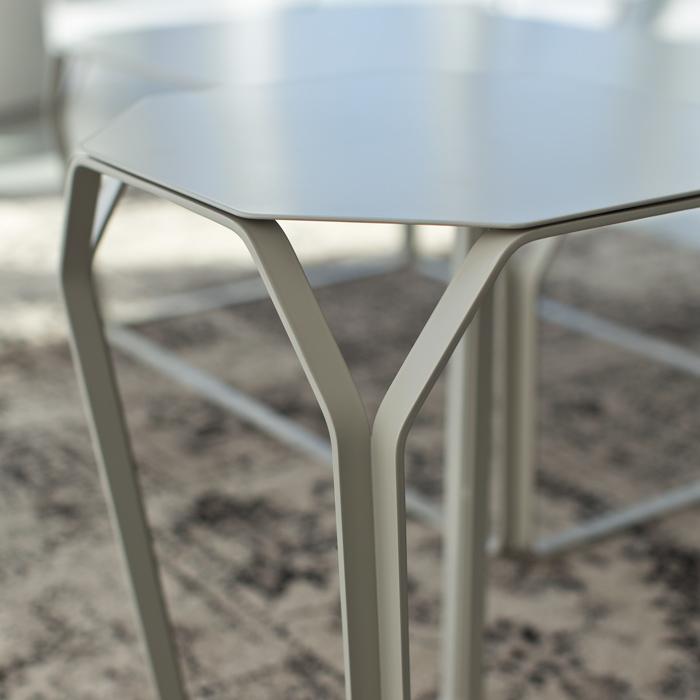 TRAY 1 METALLO tavolino quadrato con piano in metallo cm 37x37x50h
