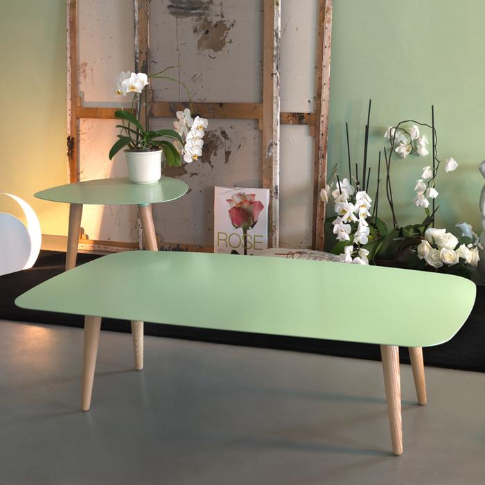 NORD RETTANGOLARE tavolino con piano in metallo e gambe in massello di frassino