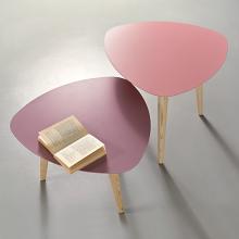 NORD PETALO tavolino con piano in metallo e gambe in massello di frassino